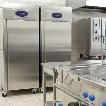 shutterstock_365164136 restaurant fridges 350w